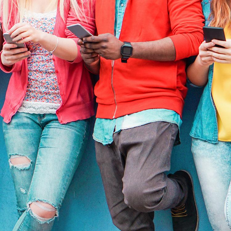 Adolescenti iperconnessi, 7 campane...
