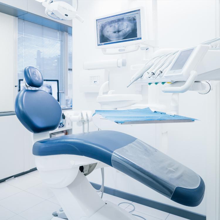 Dentisti SIdP: per cura gengive farmaci da soli non bastano