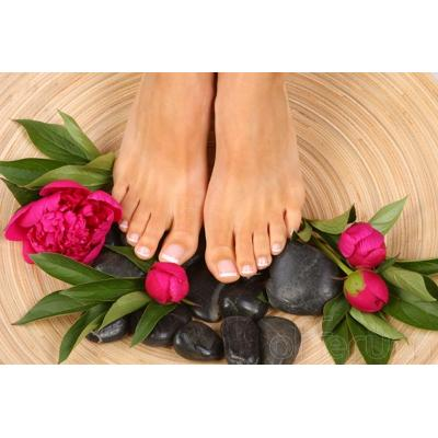 Per curare e mantenere sani i nostri piedi è necessario effettuare pedicure  curativi rivolgendosi a persone esperte 242e6571324