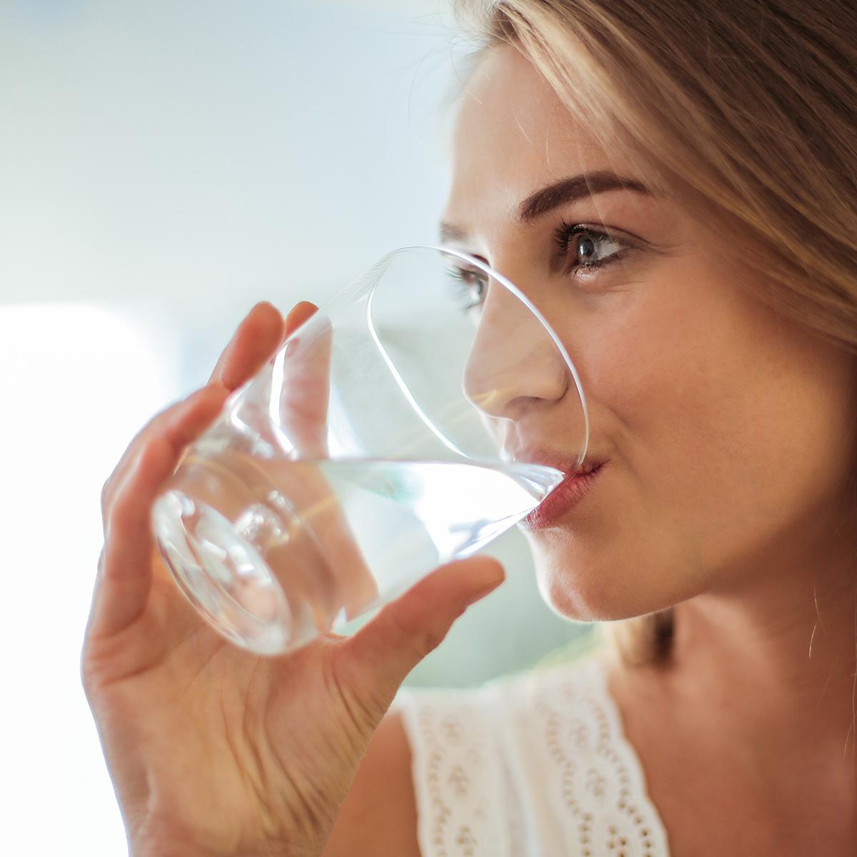 Salute, a parità di dieta una giusta idratazione fa dimagrire di ...