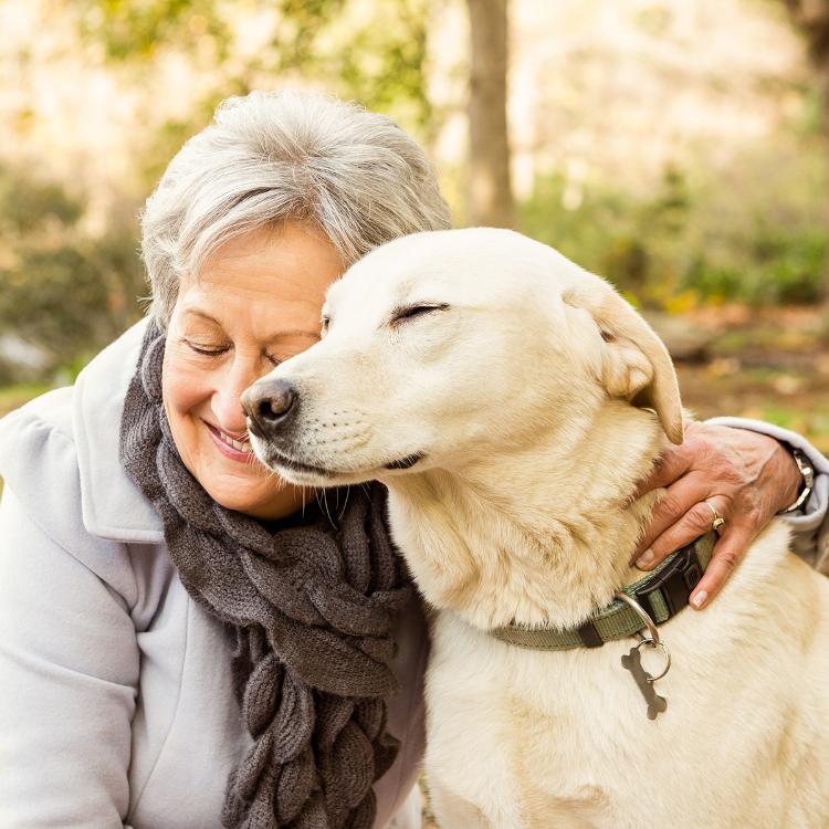 Anziani, con Fido in casa cuore più in forma